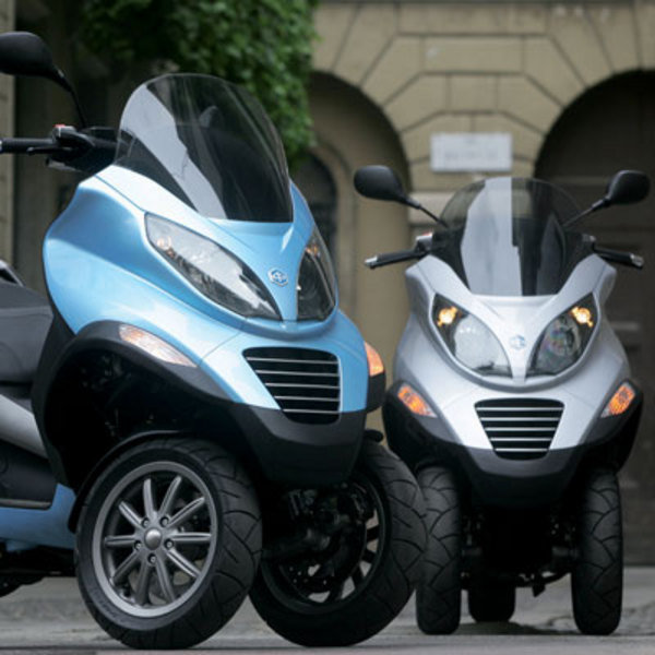 2007 piaggio mp3 motorcycle review top speed. Black Bedroom Furniture Sets. Home Design Ideas
