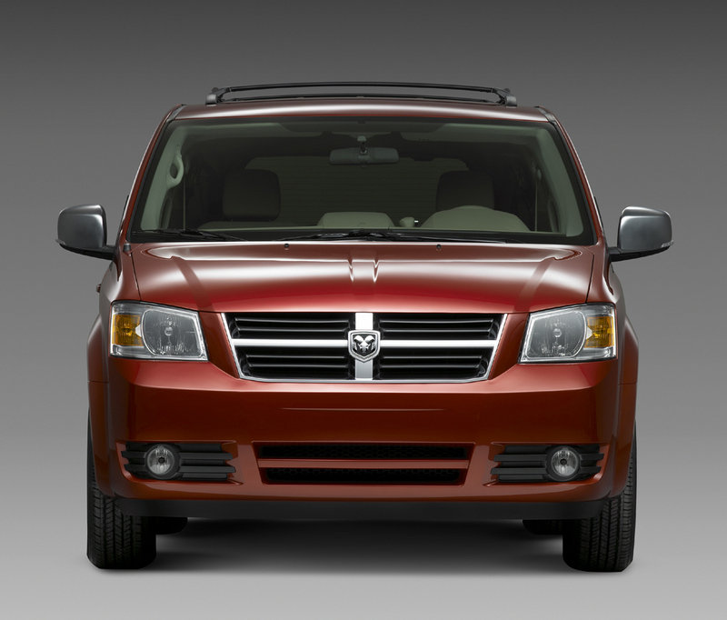 Chrysler Town & Country: Latest News, Reviews