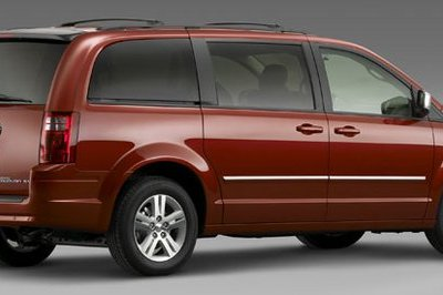 Chrysler Town & Country and Dodge Caravan - image 124571