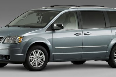 Chrysler Town & Country and Dodge Caravan