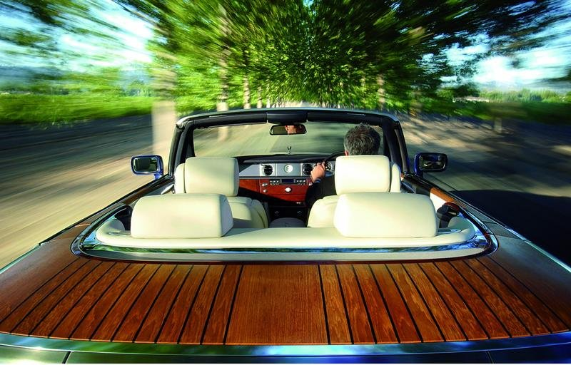 Firts US Phantom Drophead Coupe actioned for $2 million - image 143163