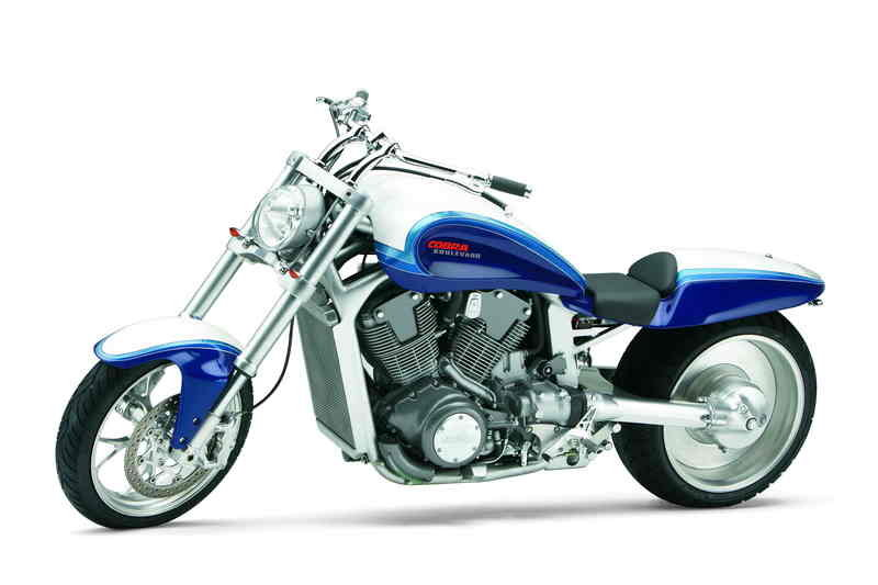 Suzuki and Cobra Engineering unveiled custom Boulevard M109R power cruiser at IMS