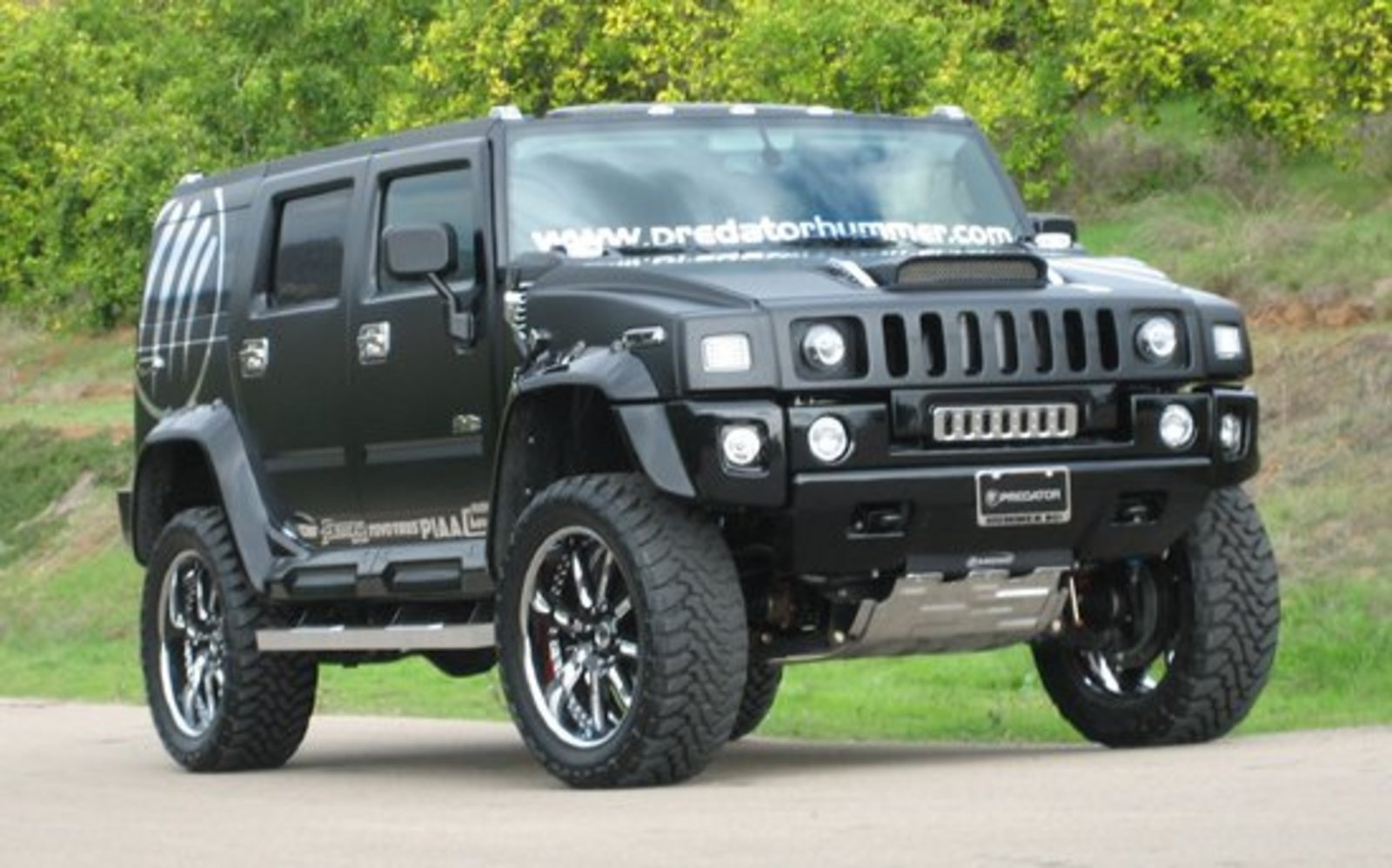 the king of hummers predator hummer h2 news top speed. Black Bedroom Furniture Sets. Home Design Ideas