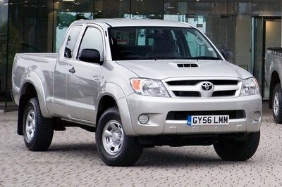 Toyota adds new engines for the Hilux
