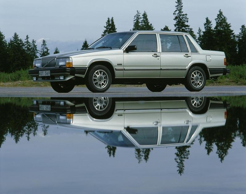 Volvo 760 - the car that formed the foundation for the modern Volvo - image 145116