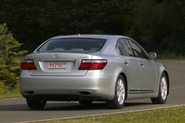2007 lexus ls 460 car review top speed. Black Bedroom Furniture Sets. Home Design Ideas