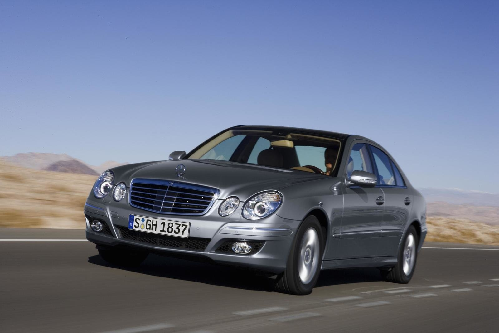 2007 mercedes benz e 200 ngt review top speed. Black Bedroom Furniture Sets. Home Design Ideas