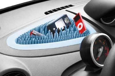 Renault Twingo Keeps your Gear Together