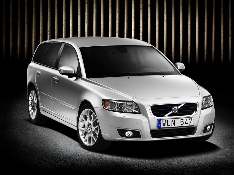 2007 Volvo S40 and V50