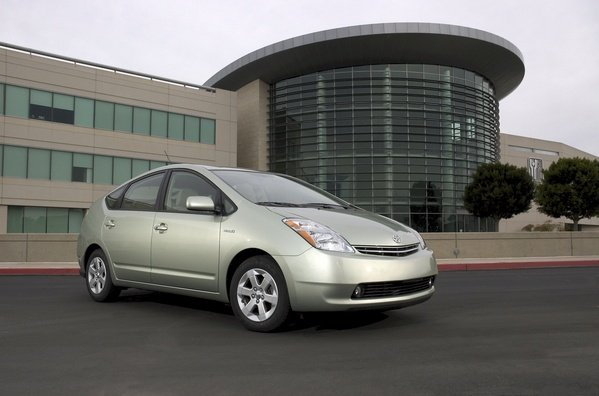 eco-nomic savings bonus incentives on 2007 toyota prius picture