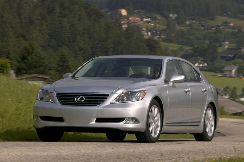 Lexus LS460 - 2007 World car of the year