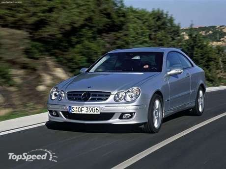 typical sports car: the CLK 500 (225 kW/306 hp) and the CLK 55 AMG with
