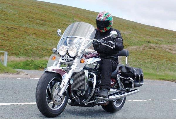 2007 triumph rocket iii classic tourer review top speed. Black Bedroom Furniture Sets. Home Design Ideas