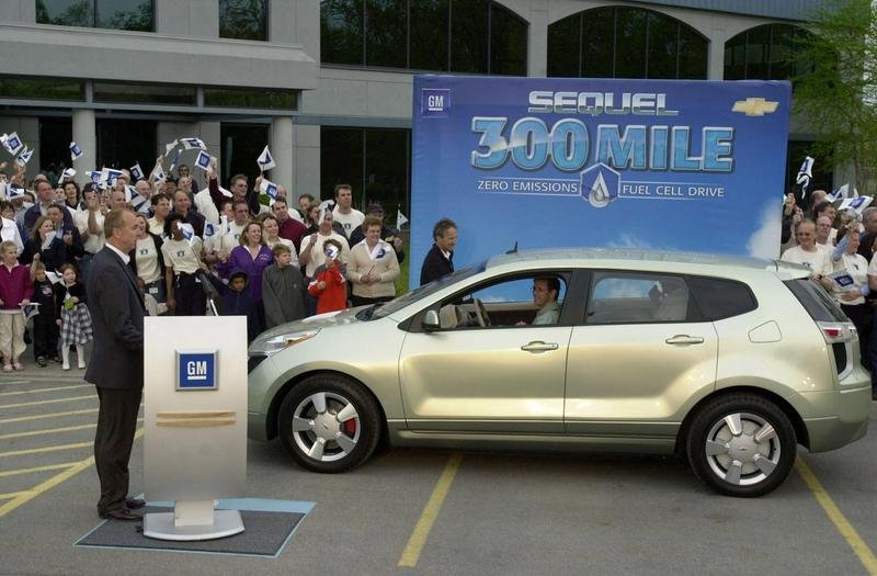 Chevy Sequel - 300 miles on one tank of hydrogen
