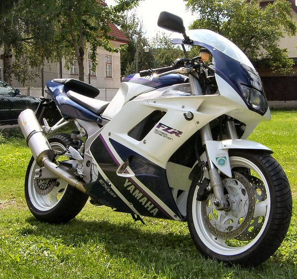 1987 1996 yamaha fzr1000 motorcycle review top speed. Black Bedroom Furniture Sets. Home Design Ideas