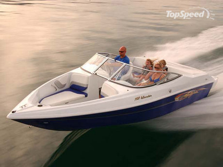 This family-friendly sport boat delivers comfort and safety along with all ...