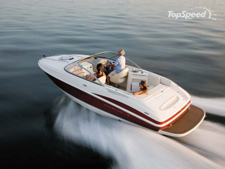 """The Maxum 2100 SC3 offers the comfort of an enclosed """"cuddy"""" cabin and the ..."""