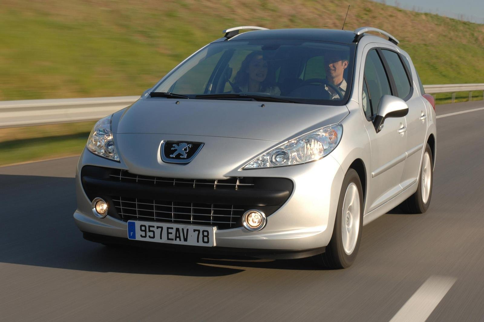 2008 peugeot 207 sw review top speed. Black Bedroom Furniture Sets. Home Design Ideas