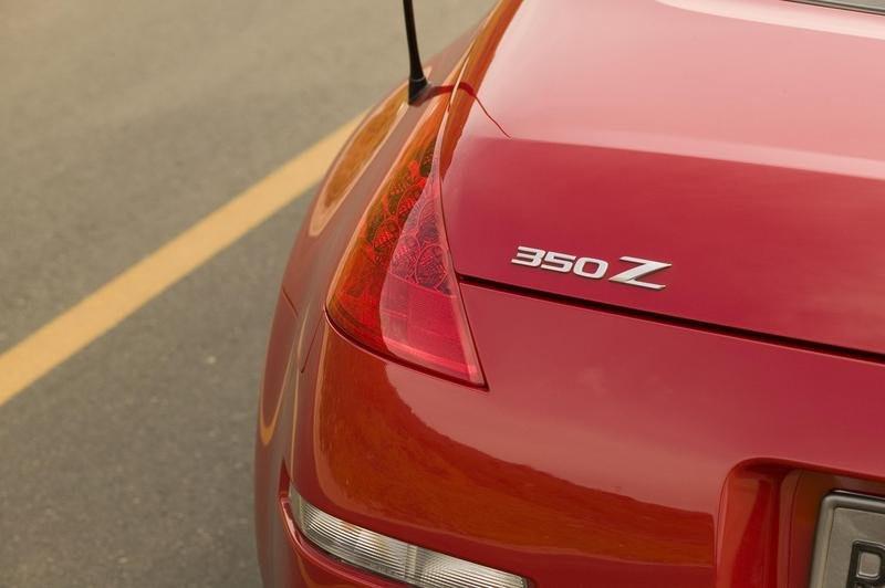 Nissan 350Z coming with retractable hardtop