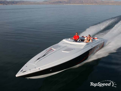 The new 35 Outlaw marries wild speed and hot looks in one head-turning boat.