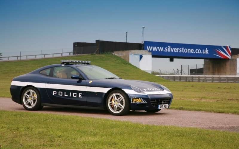 Ferrari Scaglietti police car to warn against driving while phoning