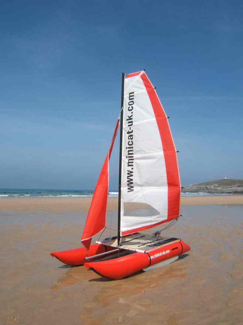 MiniCat – A catamaran in a your bag always at your disposal