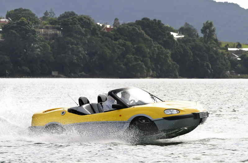 "New amphibian technology – Aquada the ""boat"" car"