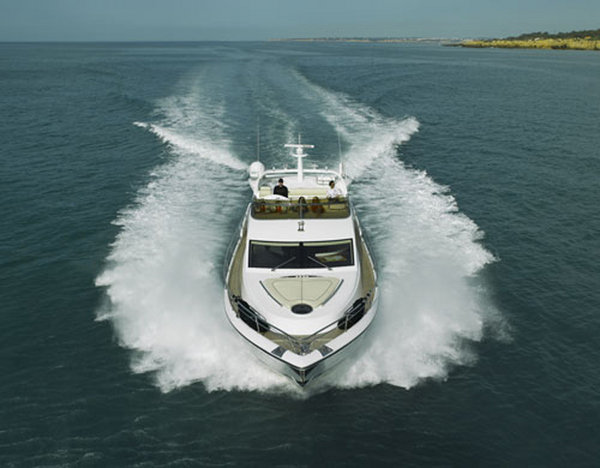 new charter specifications from pearl motor yachts picture