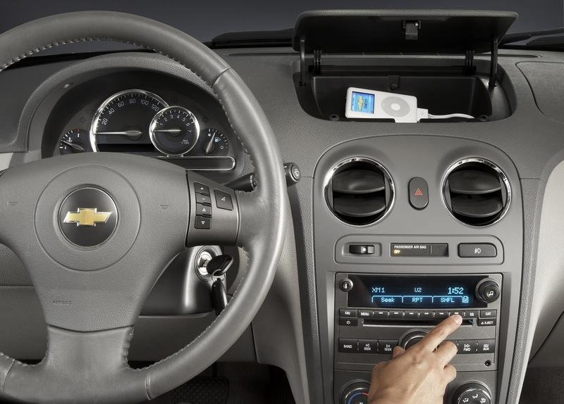 Personal Audio Link iPod adapter for GM vehicles
