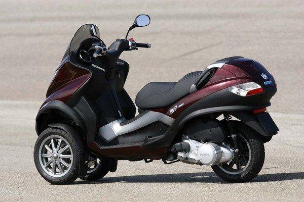 piaggio mp3 hys motorcycle news top speed. Black Bedroom Furniture Sets. Home Design Ideas