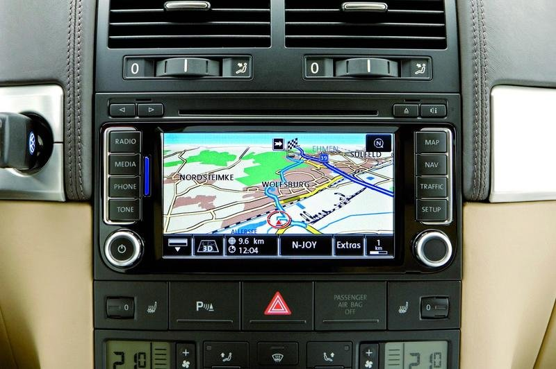RNS 510 radio navigation system for the Volkswagen Touareg