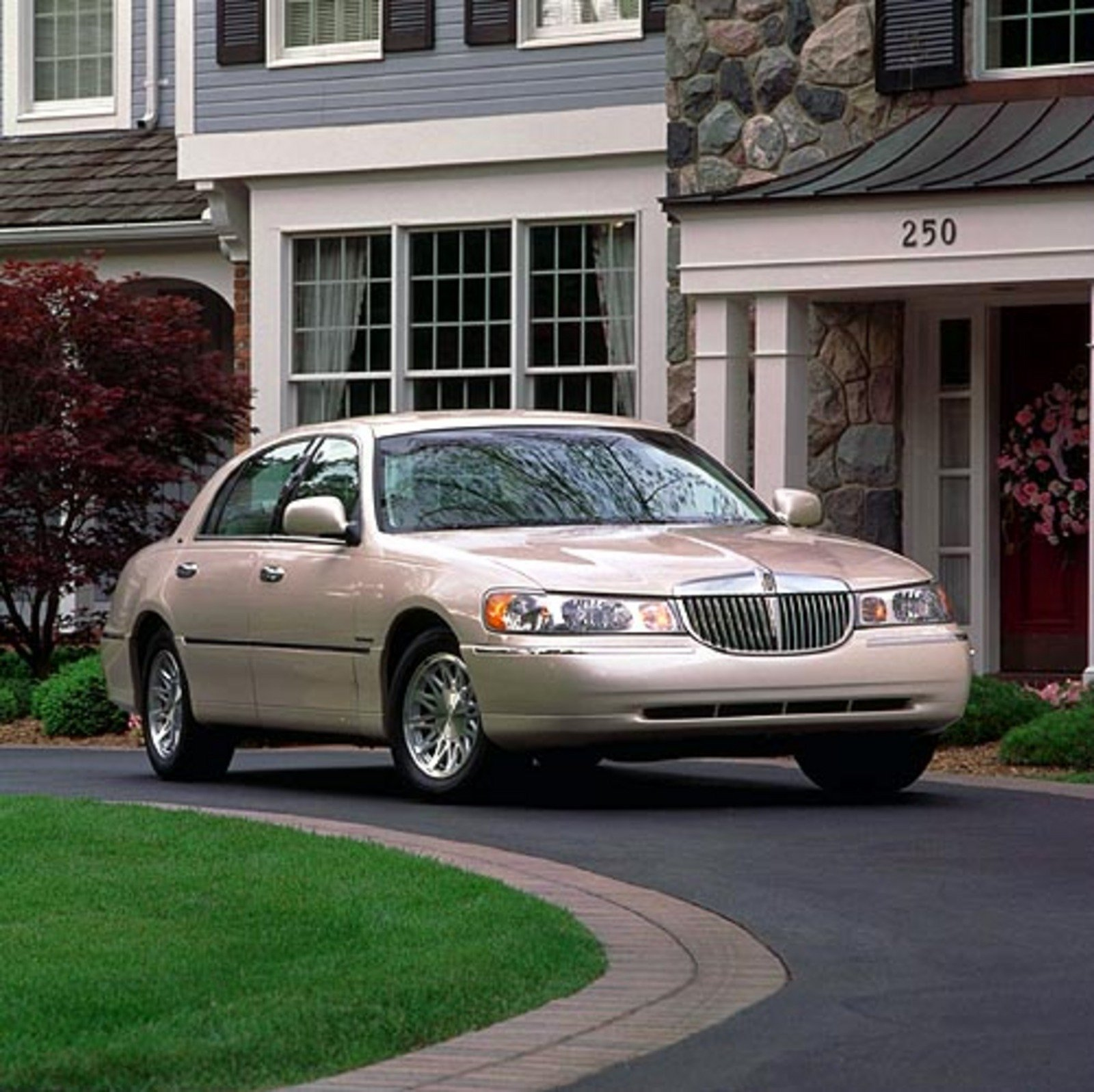 Why The Lincoln Town Car Is The Very Best Used Car News
