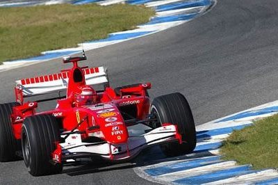 Fernando Alonso on top at Hungaroring practice session - image 189973