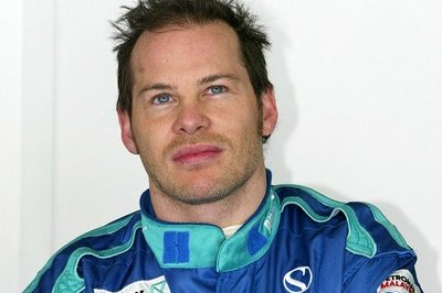 It's official: Villeneuve will drive in the Nascar