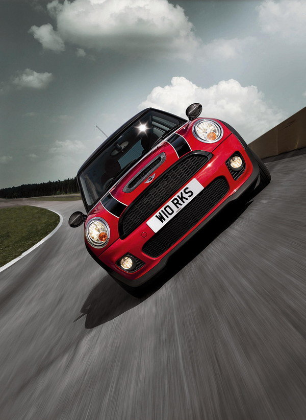 2007 mini cooper s by john cooper works car review top speed. Black Bedroom Furniture Sets. Home Design Ideas