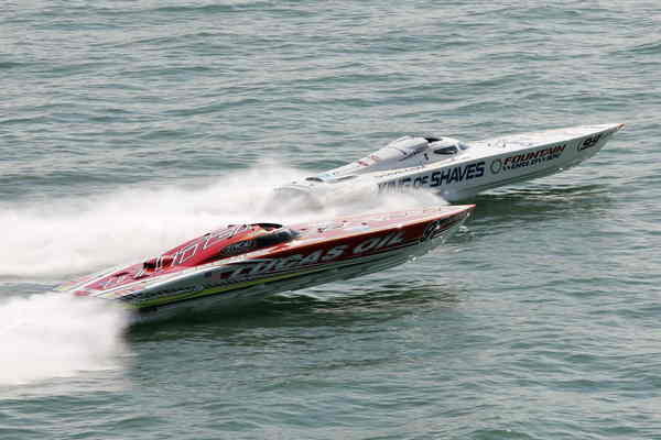 powerboat p1 extremeboat is the winner of cowes weekend picture