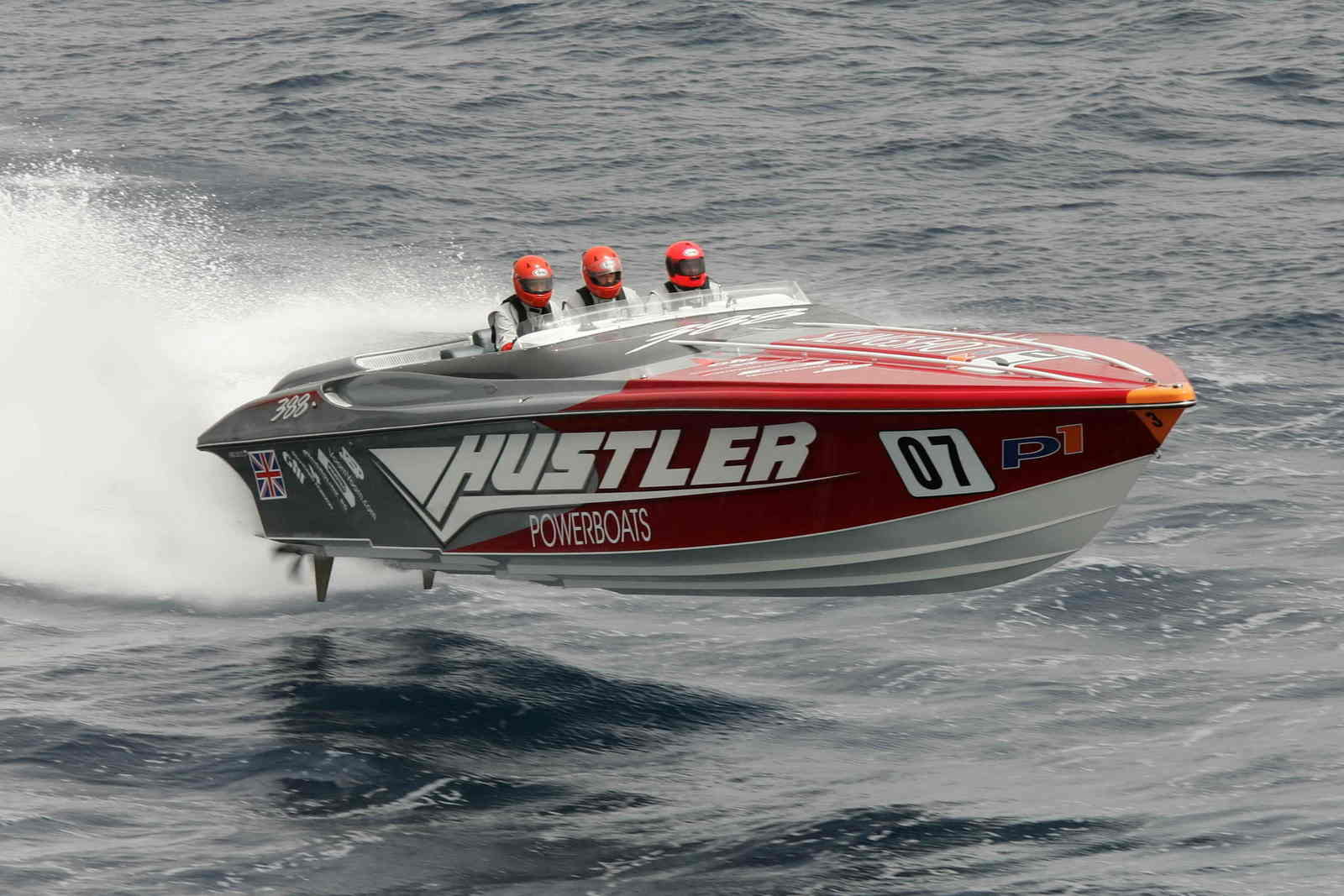 Powerboat Racing Attracts Another Uk Celebrity Picture