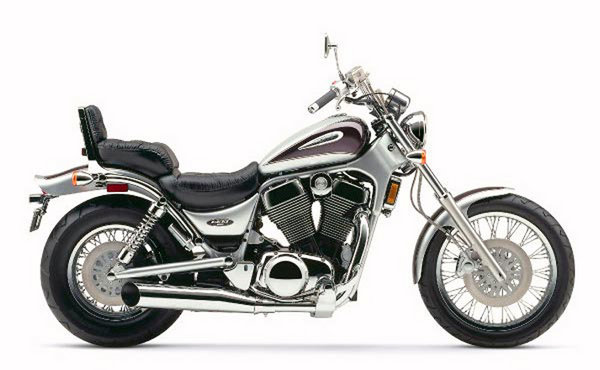 11. 2004 Suzuki VS 1400 Intruder