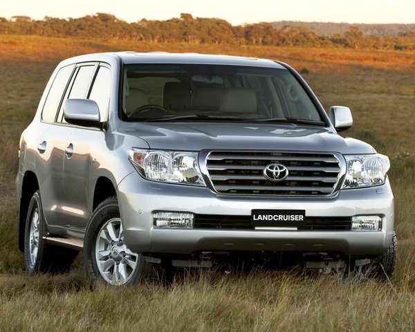 toyota land cruiser v8 picture