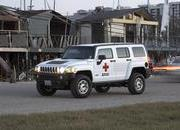 HUMMER H3 Red Cross Edition