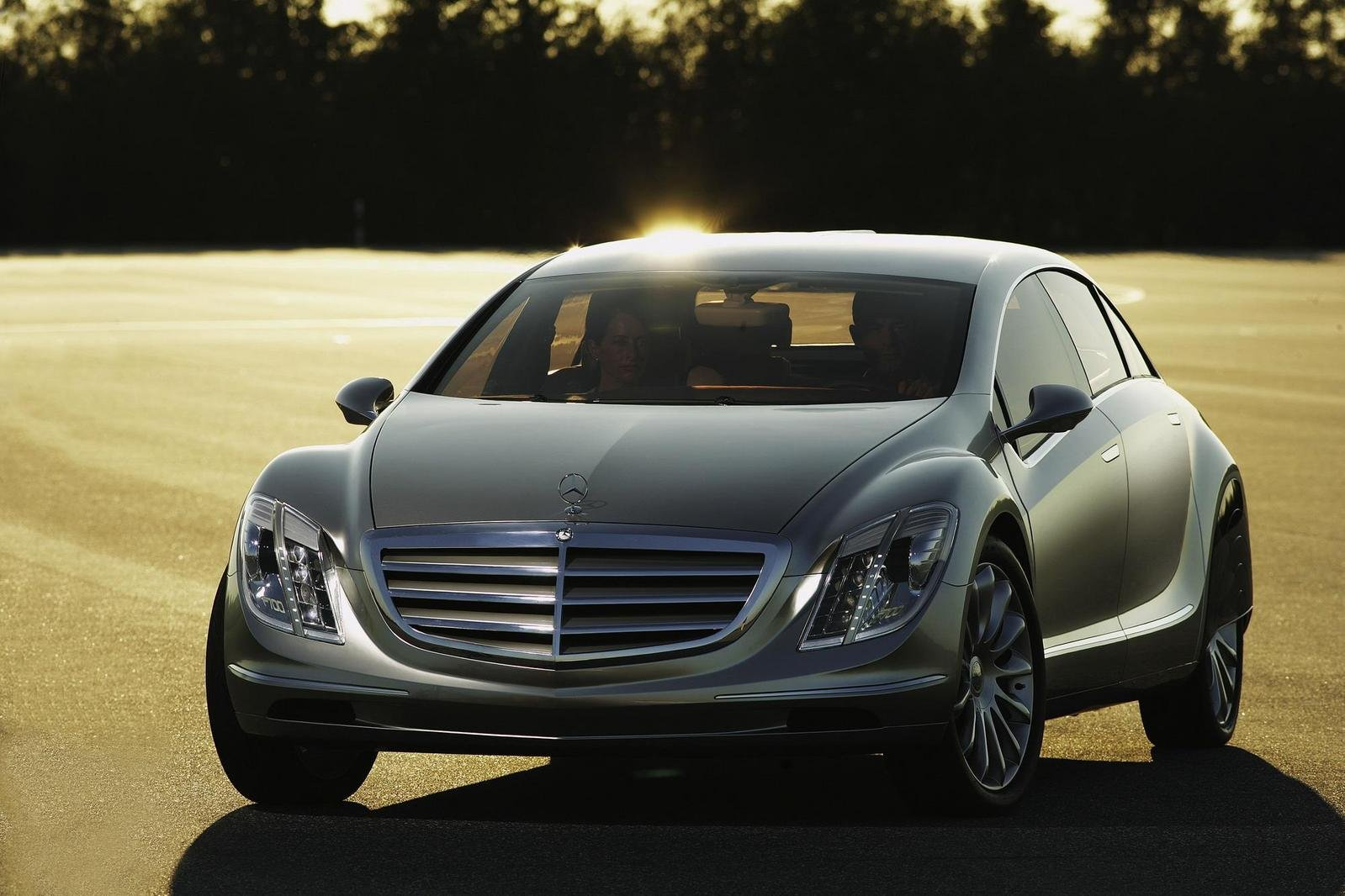 daimler to start mass production of fuel cell cars news top speed. Black Bedroom Furniture Sets. Home Design Ideas