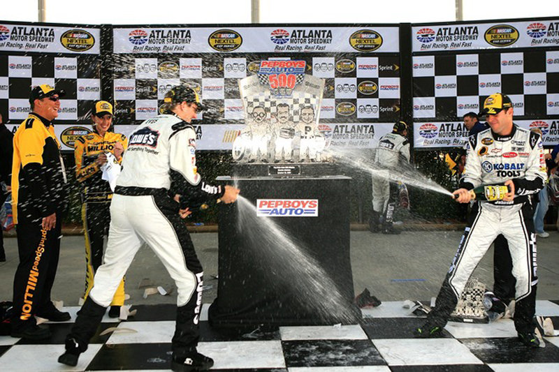 Johnson wins again at Atlanta