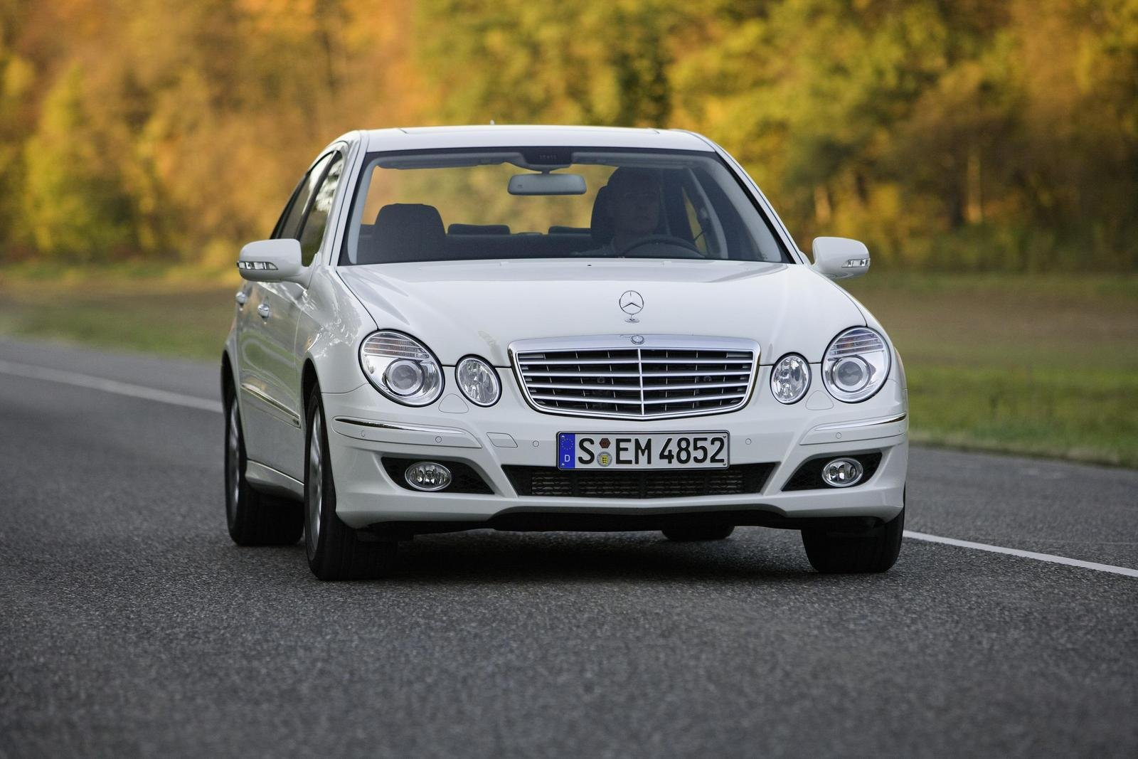 2008 mercedes e300 bluetec review top speed. Black Bedroom Furniture Sets. Home Design Ideas