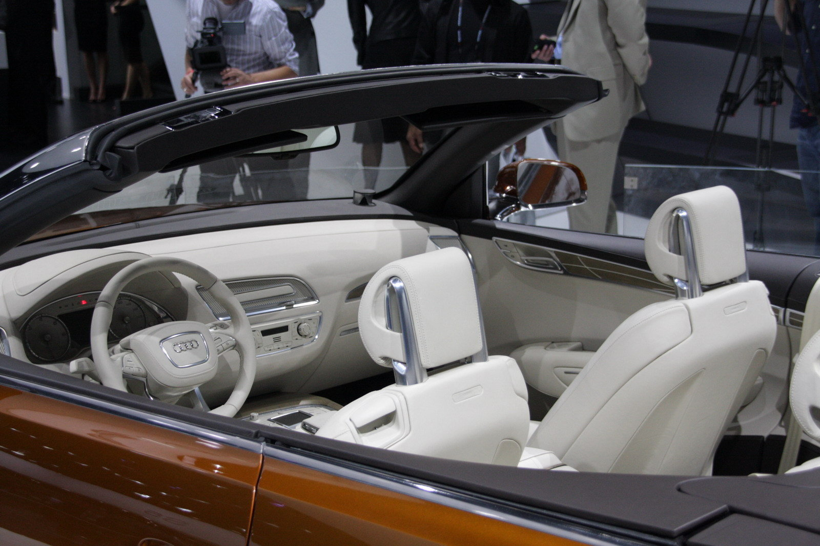 http://pictures.topspeed.com/IMG/crop/200711/audi-cross-cabriolet-27_1600x0w.jpg