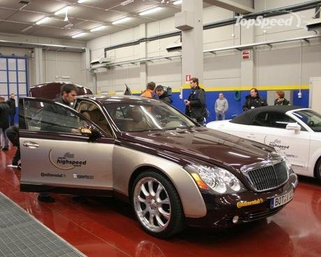 Maybach 57 S. Brabus Maybach 57S hits 330,6