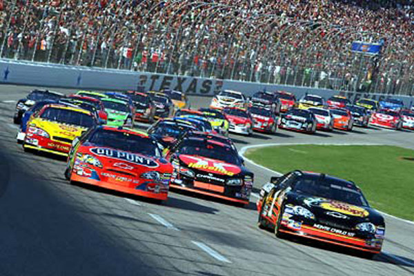 3.Dickies 500 race