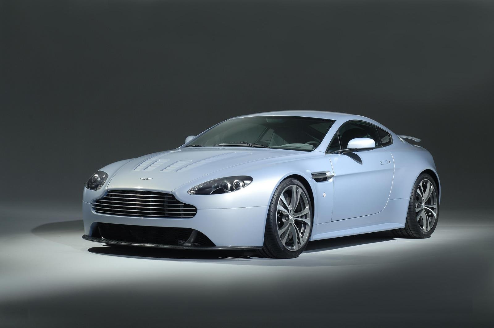 2008 aston martin v12 vantage rs concept review top speed. Black Bedroom Furniture Sets. Home Design Ideas