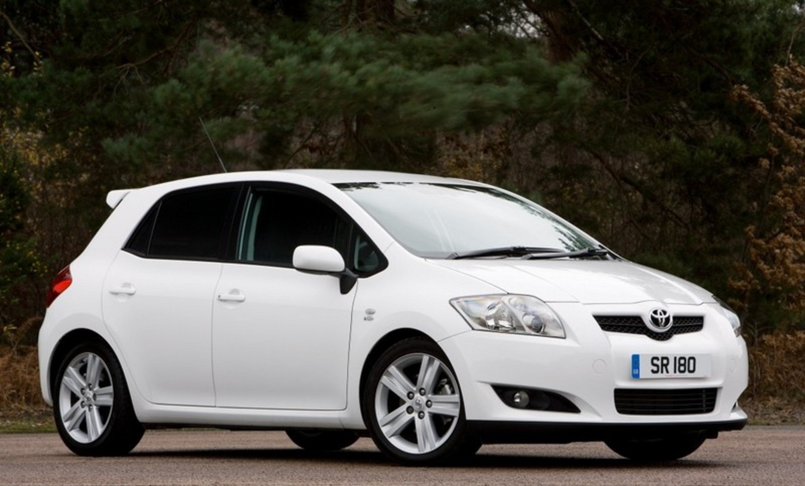 2008 toyota auris sr180 review top speed. Black Bedroom Furniture Sets. Home Design Ideas