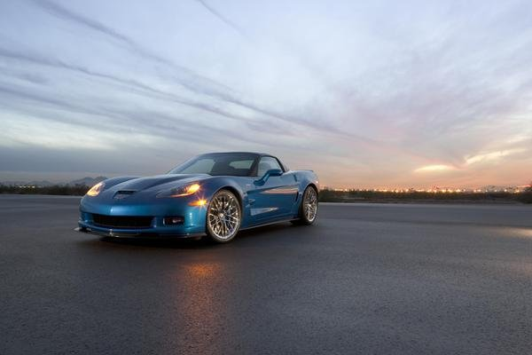 33.2009 Chevrolet Corvette ZR1