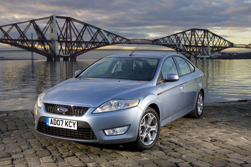 Ford Mondeo features Adaptive Cruise Control technology